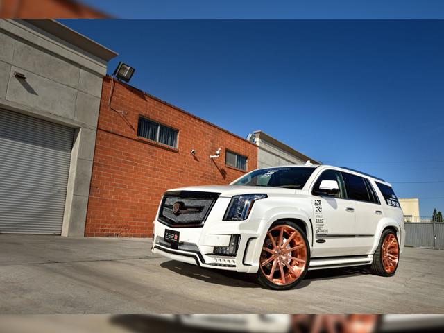 AZZURE MOTORING Cadillac Escalade 2015y