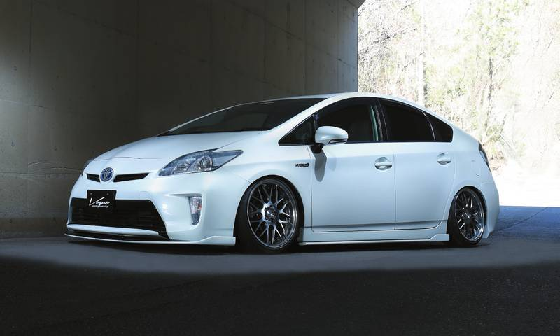 JAPAN VOGUE ZVW30 PRIUS