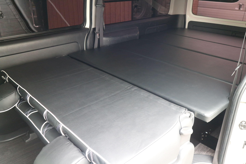 IFUU Industry トランポベットキット&フロアフローリング施工 200系ハイエースバンS-GL ナローボディー