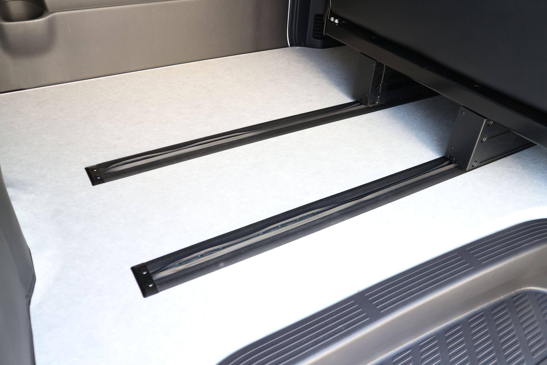 IFUU Industry オーダー内装施工 200系5型ハイエースバンS-GL T-REVOシート1脚施工
