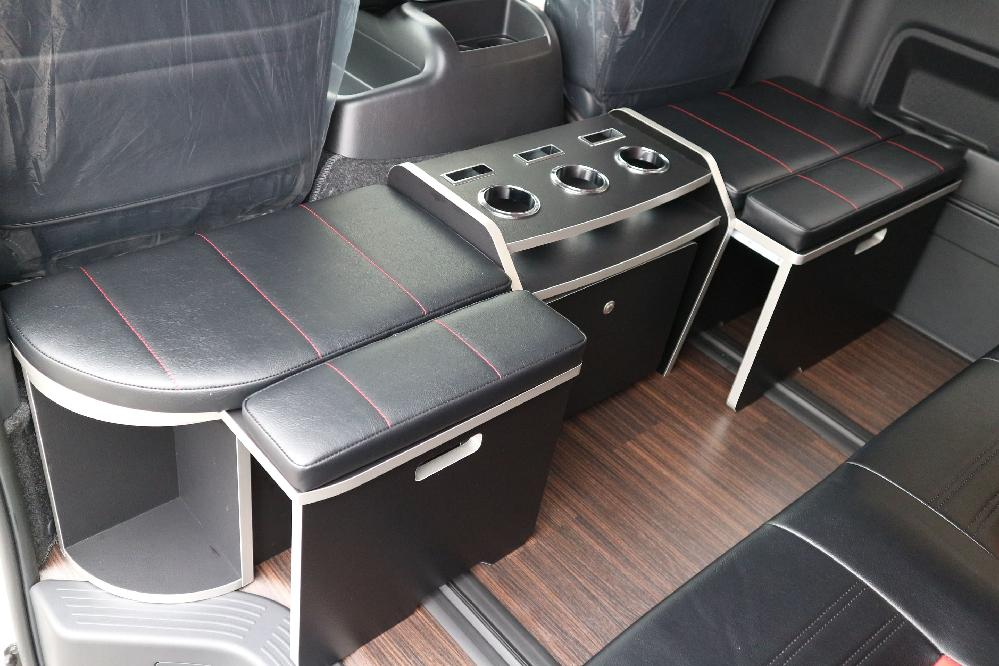 IFUU Industry IF-WR8 200系5型ハイエースグランドキャビン スーパーロング T-REVOシート2脚8+2人乗り