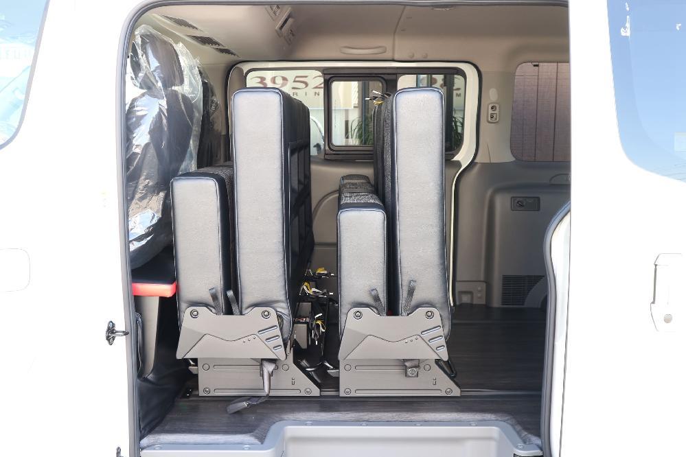 IFUU Industry IF-VR8 NV350キャラバン プレミアムGXハイウェイスター ナローボディー T-REVOシート2脚8人乗り施工
