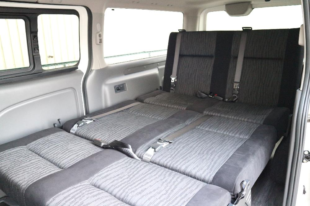 IFUU Industry IF-VR8 NV350キャラバン プレミアムGX ナローボディー T-REVOシート2脚8人乗り施工