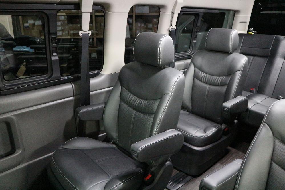 IFUU Industry オーダー内装レイアウト NV350キャラバン 特装キャンパーベース車輛 キャプテンシート4脚+T-REVOシート1脚