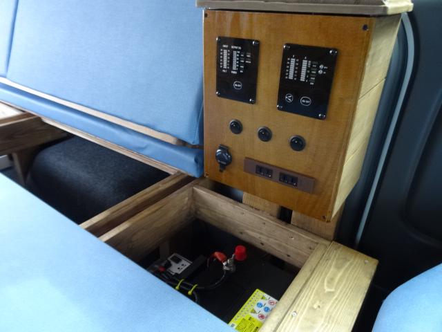 IFUU Industry ぷちキャングランパー NV350キャラバン プレミアムGX ナローボディー 2.0ガソリン ライトキャンピング施工