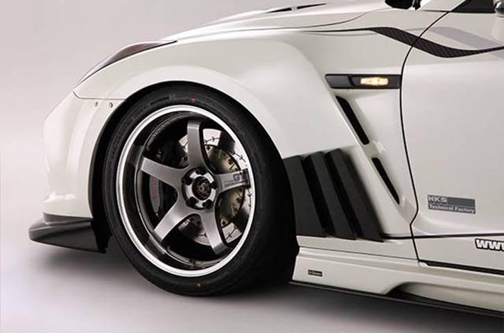 R35 GT-R 外装 エアロパーツ フェンダー VARIS(バリス) フロントフェンダー+カーボンルーバーフィン(カーボン)
