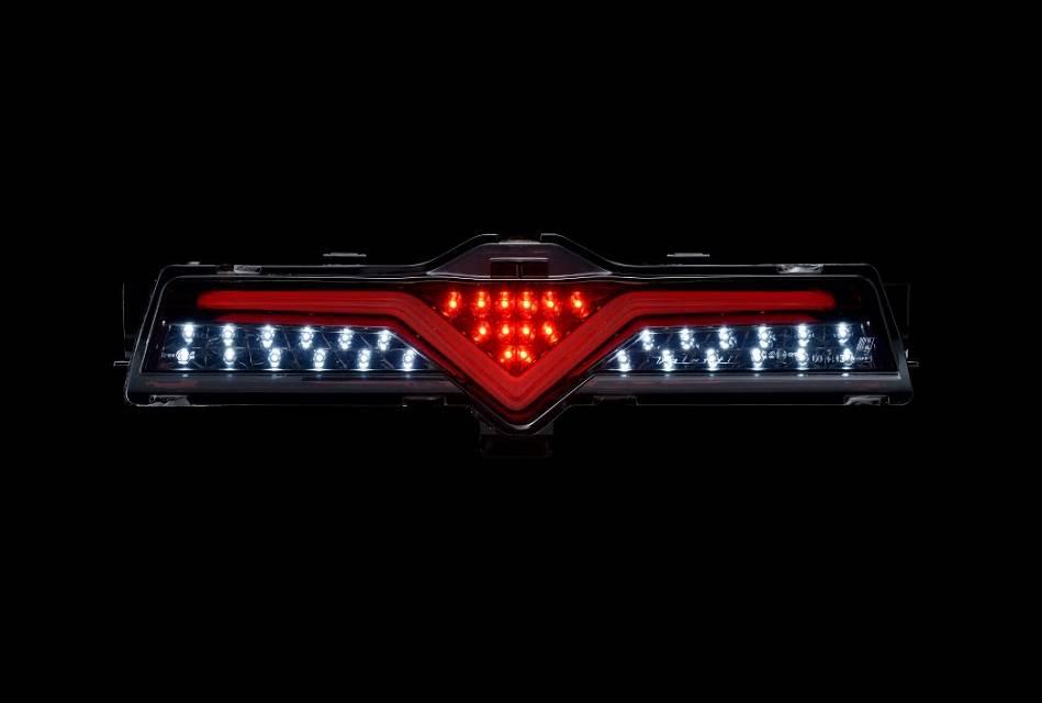 200 ハイエース(4型) 外装 ライト リアリフレクターキット ROWEN(ロェン) LEDバックフォグランプ