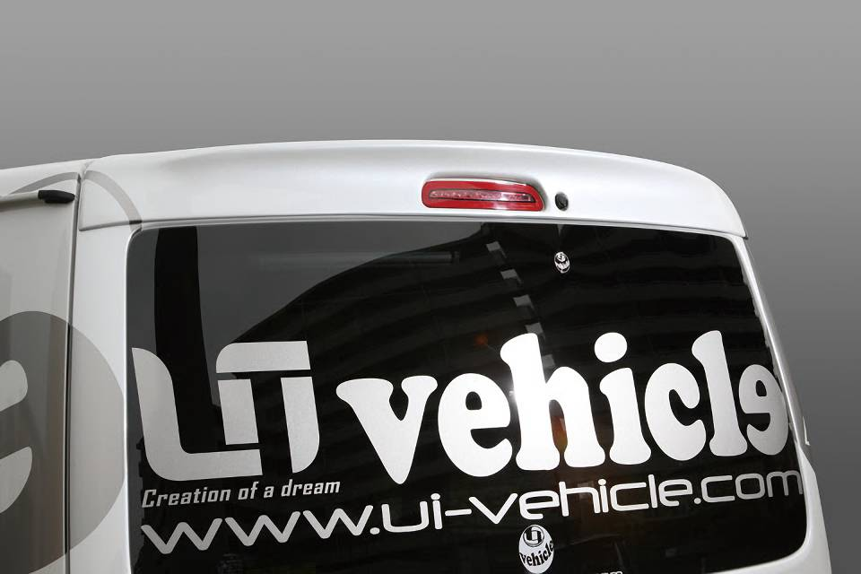 200 ハイエース(4型) 外装 エアロパーツ リアスポイラー/ウイング UI Vehicle Forbito 標準ルーフ用 リアルーフスポイラー
