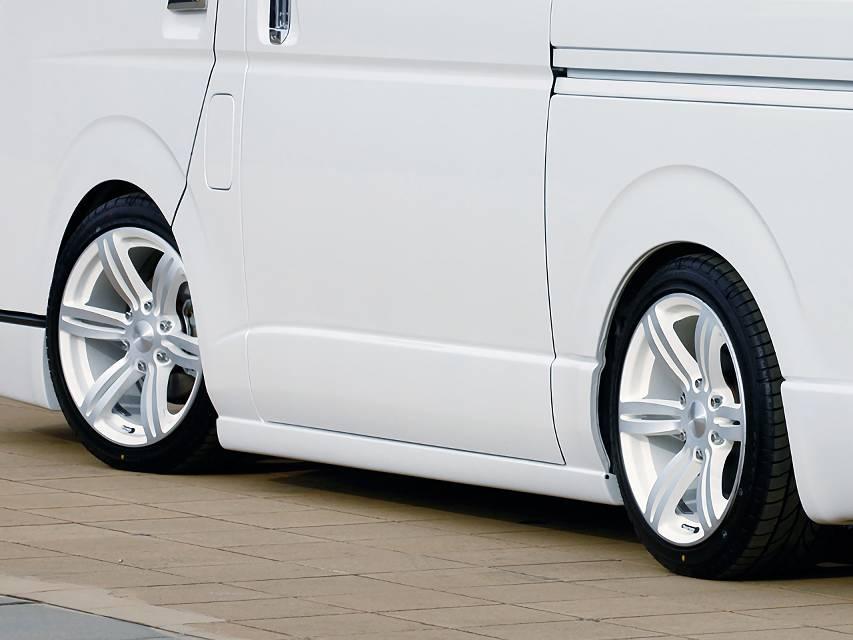 200 ハイエース(3型) 外装 エアロパーツ サイドステップ 415 COBRA CLEAN LOOK サイドステップ