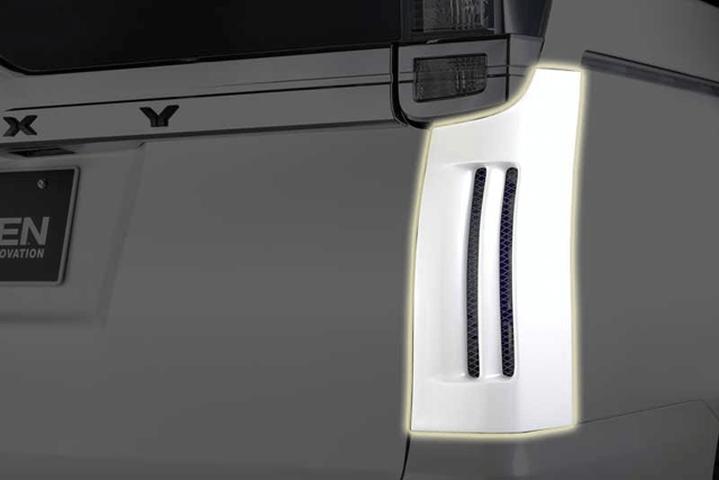 80/85 ヴォクシー 外装 エアロパーツ その他 ROWEN(ローウェン) リヤコーナーパネル