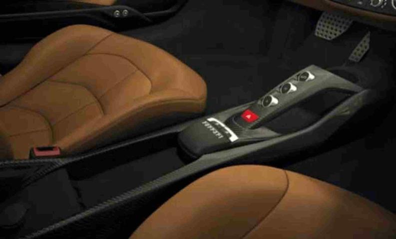 Ferrari|カーボンファイバーセンターコンソール カスタム 488 インテリア 内装
