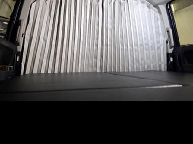 デリカD:5 内装 内装その他 その他 輝オート D5用 MADLYS 遮光パーティションカーテン