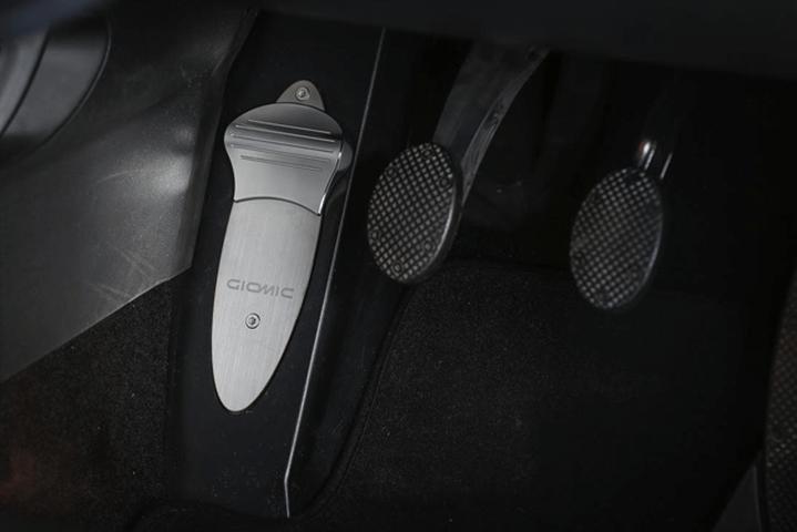 Mini F55/56 内装 内装その他 その他 GIOMIC セレクティブ・フット・レスト
