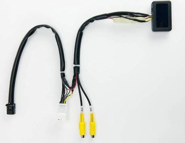リアカメラ接続アダプター RCA042N