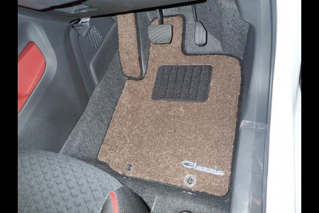 hon - Schwarz Nadelfilz 4tlg Auto Fußmatten Hyundai i10 PA Mod.pfl 2010-2013